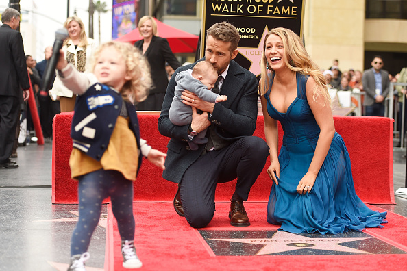 Hollywood - California「Ryan Reynolds Honored With Star On The Hollywood Walk Of Fame」:写真・画像(16)[壁紙.com]