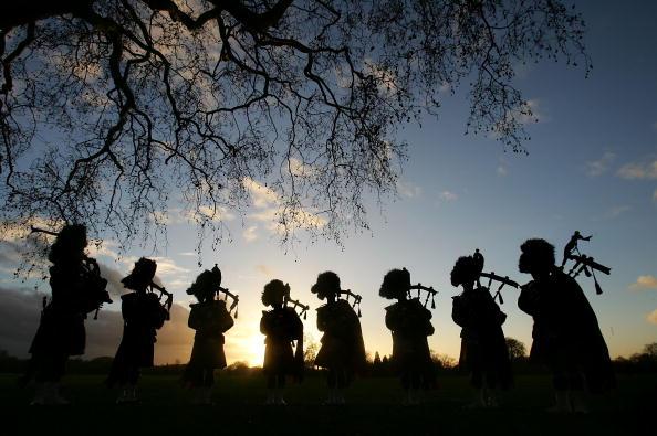 楽器「Dragoon Guards Celebrate Album Success」:写真・画像(2)[壁紙.com]