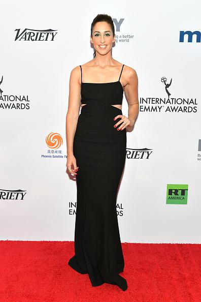 Cut Out Dress「2019 International Emmy Awards Gala」:写真・画像(6)[壁紙.com]