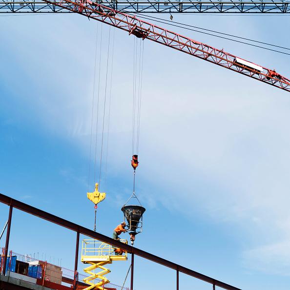 Construction Machinery「Crane with concrete cistern」:写真・画像(10)[壁紙.com]
