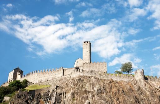 UNESCO「Castelgrande, one of Bellinzonas Castles, Unesco World Heritage in Switzerland.」:スマホ壁紙(6)