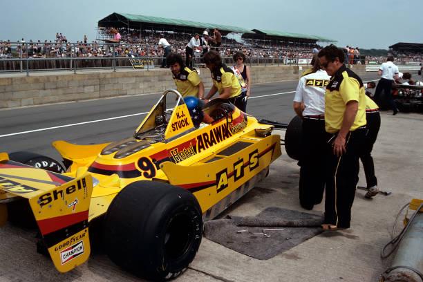 Mechanic「Hans-Joachim Stuck, Grand Prix Of Great Britain」:写真・画像(4)[壁紙.com]