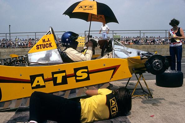Mechanic「Hans-Joachim Stuck, Grand Prix Of Great Britain」:写真・画像(5)[壁紙.com]