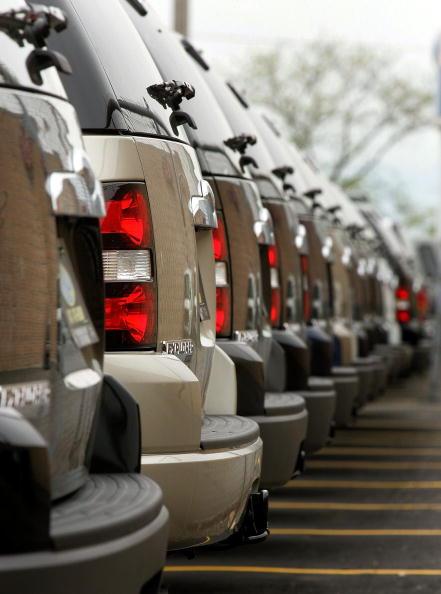 Stationary「SUV Sales Down Amid High Gas Prices」:写真・画像(12)[壁紙.com]
