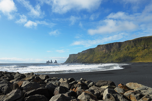 Basalt「Black Lava Beach With Basalt Stacks Of Reynisdrangar In The Background」:スマホ壁紙(4)