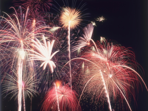 Fourth of July「A view of many colorful sparkling Fourth of July fireworks against the nighttime sky. Jackson, Wyoming.」:スマホ壁紙(9)