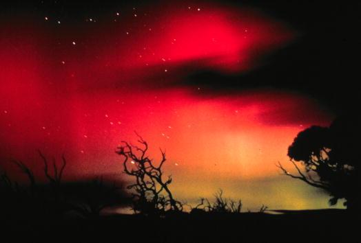 Colors「Sun Produces Powerful Auroras」:写真・画像(13)[壁紙.com]