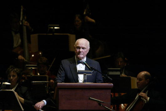 Stage - Performance Space「John Glenn Conquers New Frontier」:写真・画像(18)[壁紙.com]