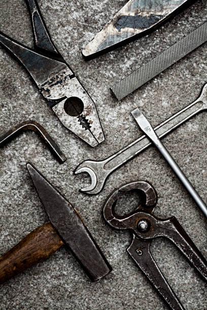 Various old tools (top view):スマホ壁紙(壁紙.com)