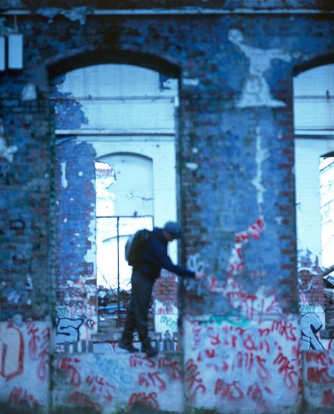 Brick Wall「Graffiti on a brick wall」:写真・画像(3)[壁紙.com]
