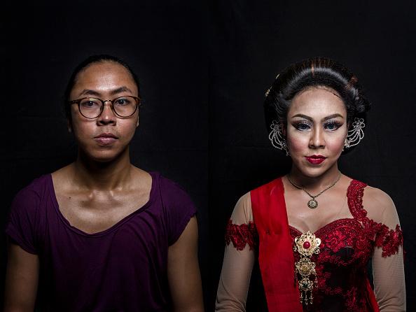 Composite Image「Transgenders Perform Traditional Opera In Indonesia」:写真・画像(2)[壁紙.com]
