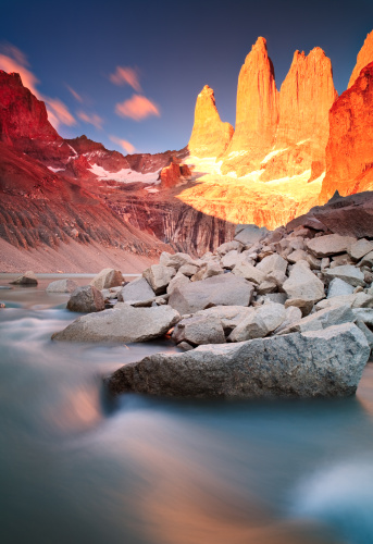 Alpenglow「Sunrise at Torres Del Paine Mountains」:スマホ壁紙(13)