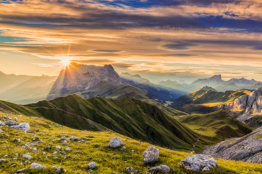UNESCO World Heritage Site「Sunrise at Sassolungo or Langkofel Mountain Group, Dolomites, Trentino, Alto Adige」:スマホ壁紙(2)