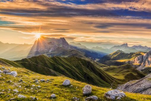 Mountain Peak「Sunrise at Sassolungo or Langkofel Mountain Group, Dolomites, Trentino, Alto Adige」:スマホ壁紙(6)