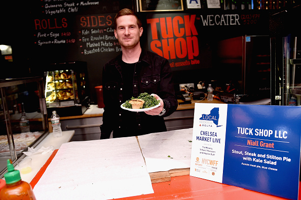 Salad「Food Network & Cooking Channel New York City Wine & Food Festival Presented By Coca-Cola - Chelsea Market Live hosted by Haylie Duff, Tia Mowry and Tiffani Thiessen」:写真・画像(2)[壁紙.com]