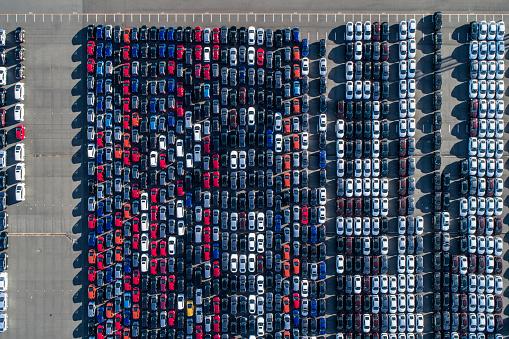 Car Dealership「A line of cars.」:スマホ壁紙(0)