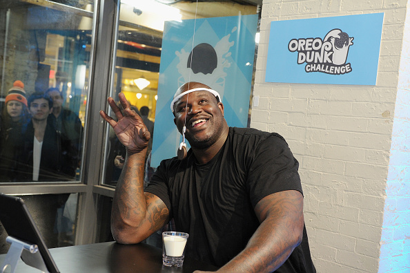 """Sweet Food「Shaquille O'Neal Introduces """"Hands-Free Oreo Cookie Dunking"""" To Launch The Oreo Dunk Challenge」:写真・画像(16)[壁紙.com]"""
