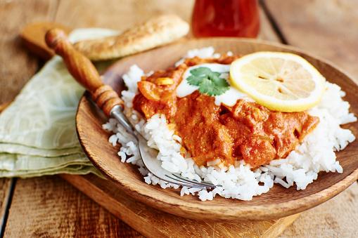 Tomato Sauce「Seitan Tikka Masala on rice with soy yogurt and served with paratha bread」:スマホ壁紙(7)