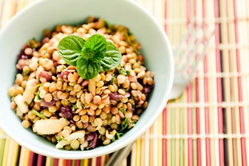 Salad「Bowl of lentil salad on table mat」:スマホ壁紙(1)