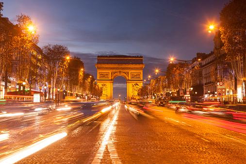 Arc de Triomphe - Paris「The Arc de Triomphe and Champs Elysees in Paris」:スマホ壁紙(19)