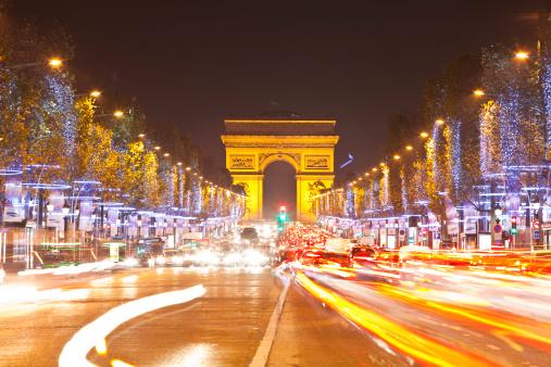 Arc de Triomphe - Paris「The Arc de Triomphe and Champs Elysees.」:スマホ壁紙(1)