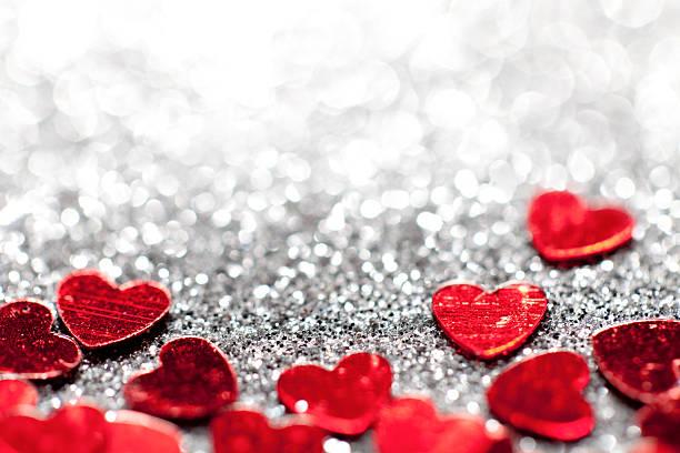 デフォーカス光輝くハート-バレンタインの日のお気に入り:スマホ壁紙(壁紙.com)