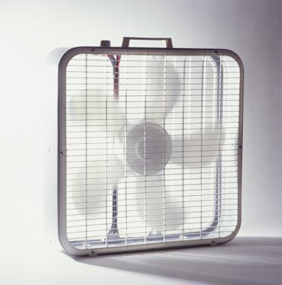 Spinning「Box fan」:スマホ壁紙(0)