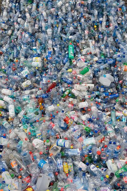 Germany, Empty plastic bottles recycling:スマホ壁紙(壁紙.com)