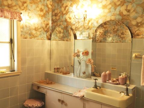Sink「Retro house interior bathroom」:スマホ壁紙(12)