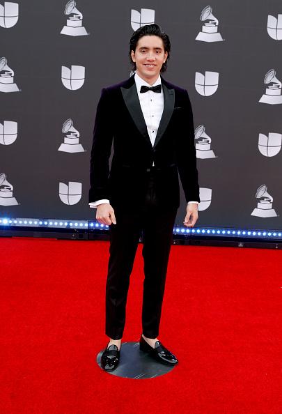 Loafer「20th Annual Latin GRAMMY Awards - Arrivals」:写真・画像(15)[壁紙.com]
