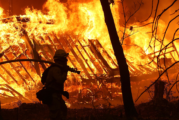 California「Rapidly-Spreading Wildfire In California's Butte County Prompts Evacuations」:写真・画像(4)[壁紙.com]