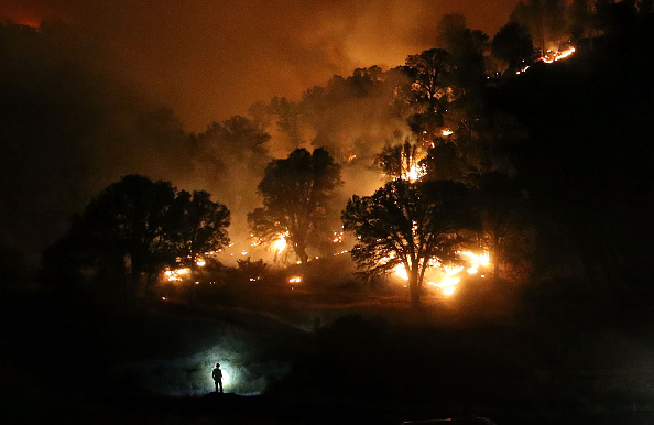 Topix「Rocky Fire Expands To 60,000 Acres In Drought-Ridden Northern California」:写真・画像(9)[壁紙.com]