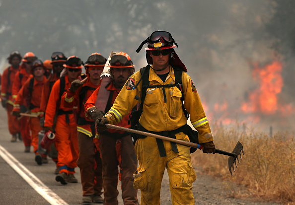 Firefighter「Rocky Fire Grows To 23,000 Acres In Drought-Ridden Northern California」:写真・画像(7)[壁紙.com]