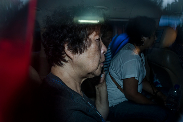 In A Row「Families Of Bali 9 Duo Visit Prison Ahead Of Execution」:写真・画像(15)[壁紙.com]