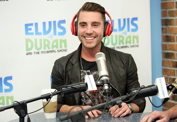 "Visit「American Idol Winner Nick Fradiani Visits ""The Elvis Duran Z100 Morning Show""」:写真・画像(17)[壁紙.com]"