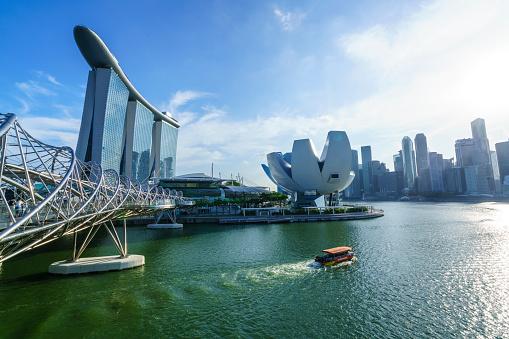 Footbridge「Singapore skyline and Marina Bay」:スマホ壁紙(12)