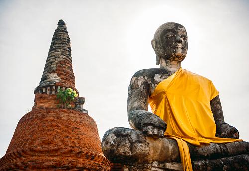 仏像「Thailand, Ayutthaya, torso of ancient Buddha statue」:スマホ壁紙(4)