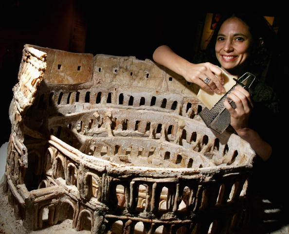 Sculpture「Sculptures Of Famous Rome Sights Made From Pizza Dough」:写真・画像(7)[壁紙.com]