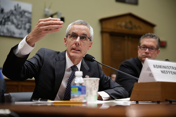 Chip Somodevilla「TSA Administrator Peter Neffenger Testifies To House Committee On Security Gaps」:写真・画像(6)[壁紙.com]