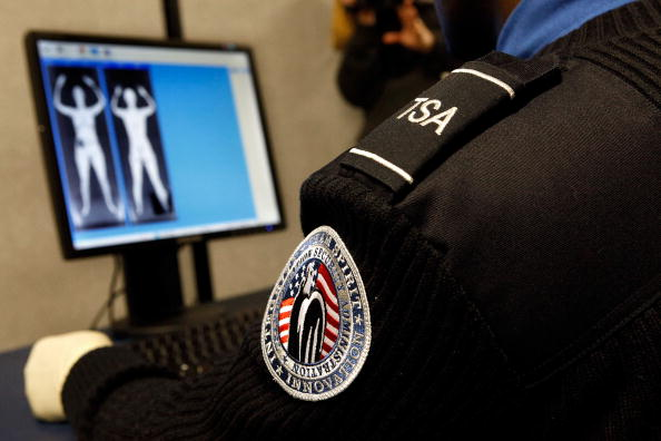 税関「TSA Demonstrates New Imaging Technology At Reagan National Airport」:写真・画像(11)[壁紙.com]
