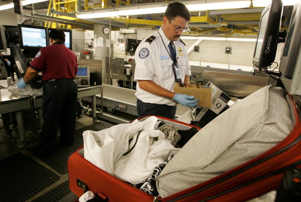 Luggage「TSA Demonstrates New Baggage Screening System」:写真・画像(18)[壁紙.com]