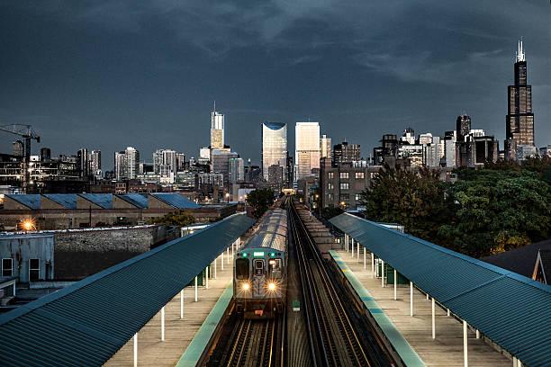 Transportation in downtown Chicago, IL:スマホ壁紙(壁紙.com)