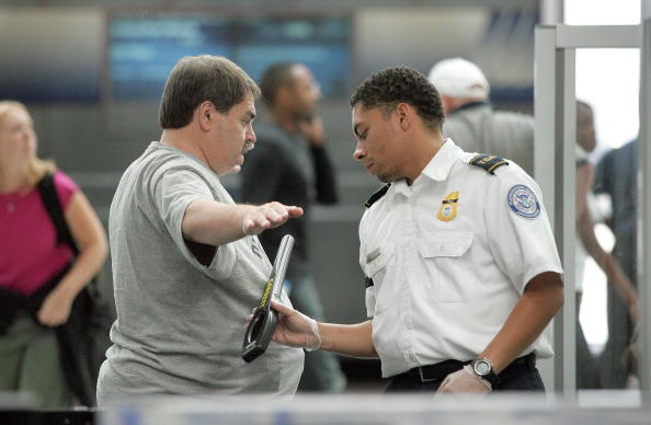 Security Check「Chicago Airports Try To Make Security Screenings More Comfortable」:写真・画像(18)[壁紙.com]