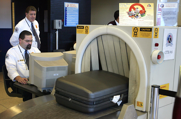 Luggage「United Airlines Announces Flights Reduction」:写真・画像(14)[壁紙.com]