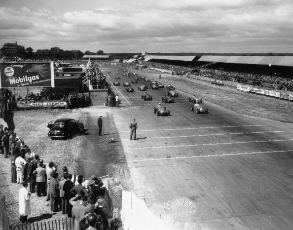 Sports Track「Silverstone Race」:写真・画像(1)[壁紙.com]