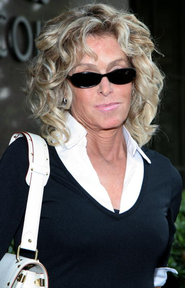 Farrah Fawcett「Farah Fawcett doing jury duty at Beverly Hills, CA」:写真・画像(12)[壁紙.com]