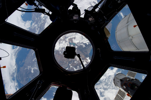 Spacecraft「View of Earth through the Cupola on the International Space Station.」:スマホ壁紙(19)