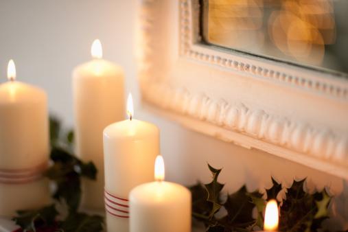 Candle「Candles lit on mantelpiece」:スマホ壁紙(15)