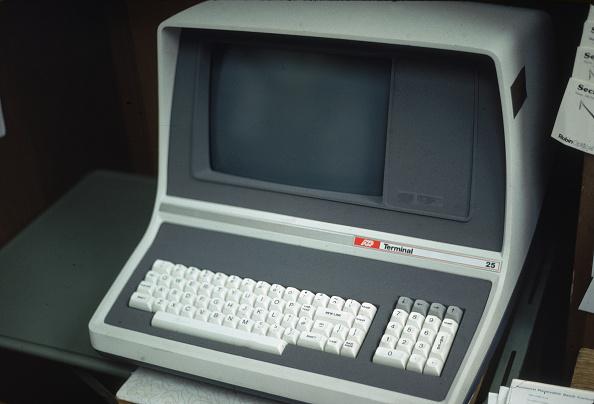 Desktop PC「Personal Computer」:写真・画像(4)[壁紙.com]