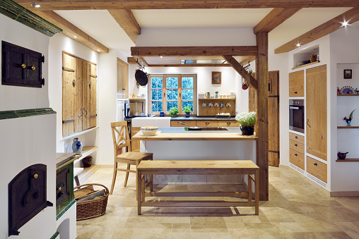 Domestic Kitchen「Rustic country style home with kitchen island」:スマホ壁紙(17)